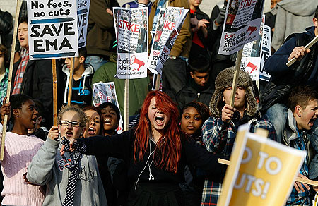 Image-3-for-student-protests-in-london-gallery-422091150