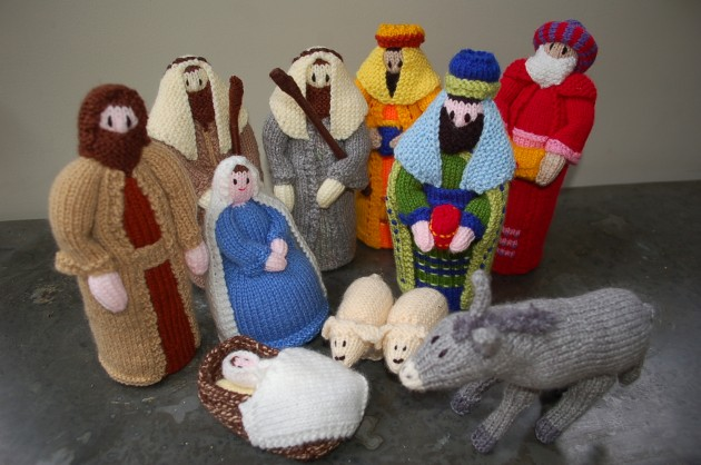 Knitting Pattern Christmas Crib Nativity Scene Booklet : Christmas trends: the knitted nativity The Womens Room