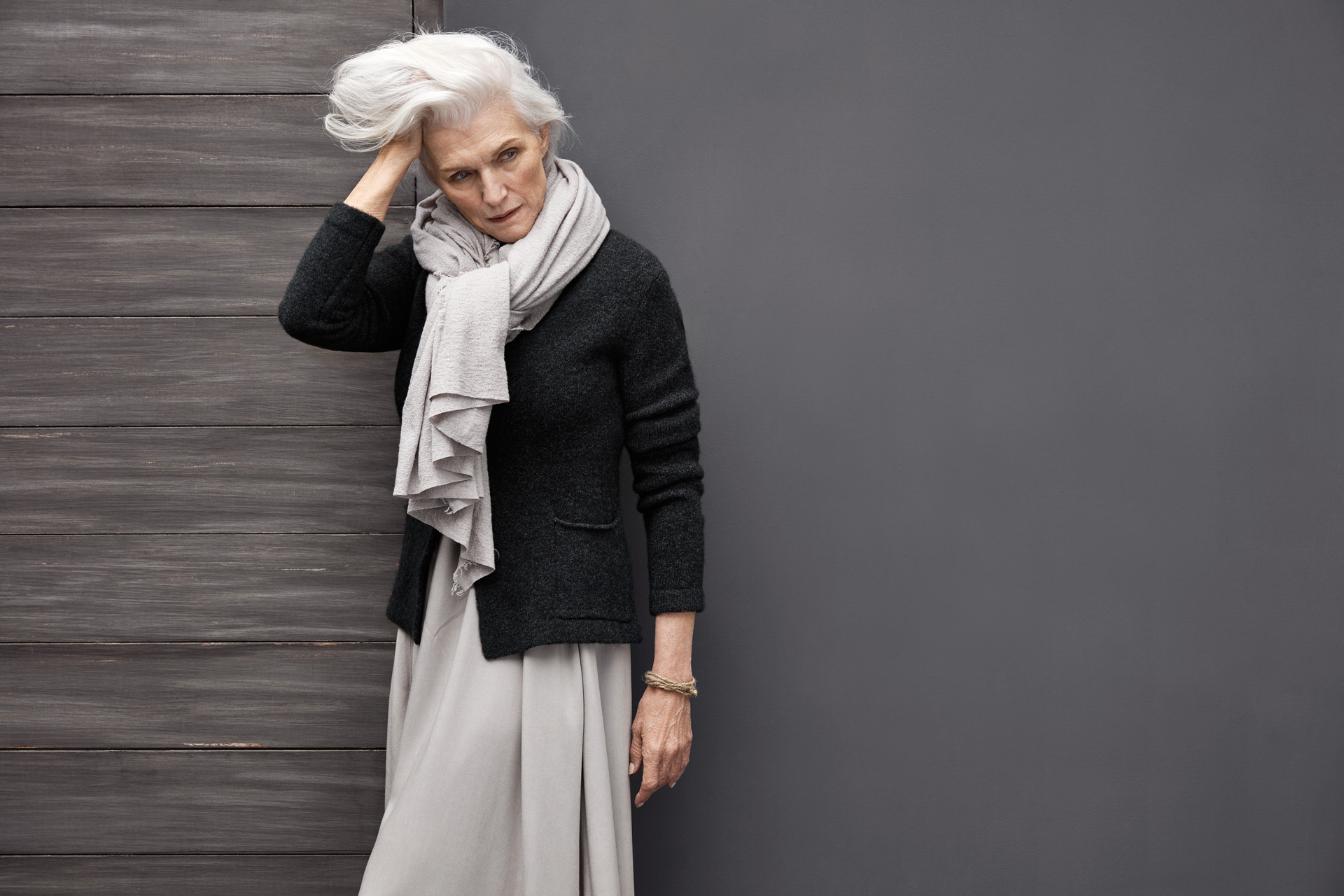 Grey-haired-model_LOOK_11