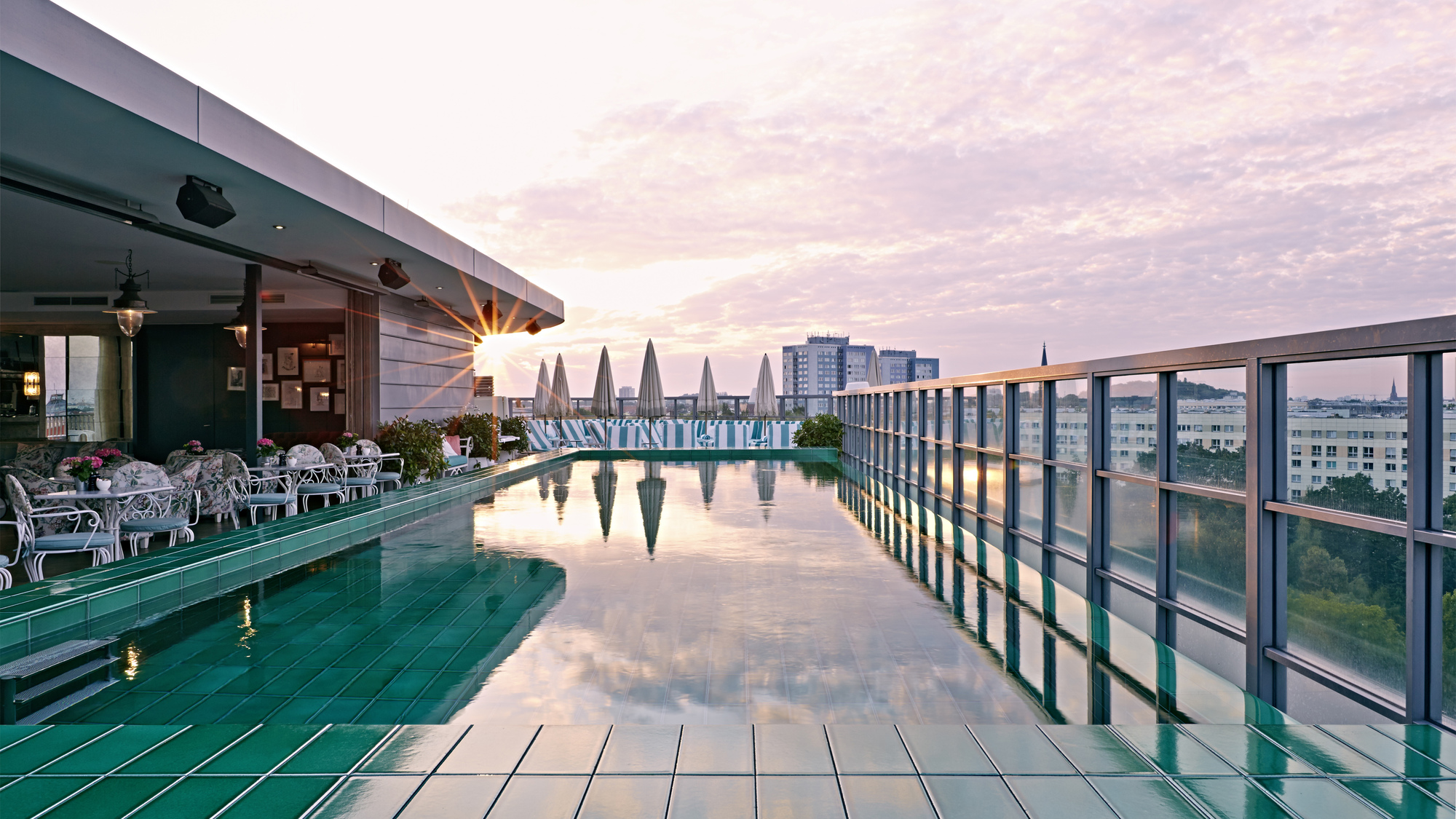 Soho Hotel With Pool