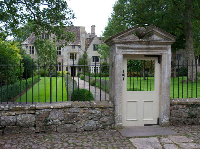 avebury-manor