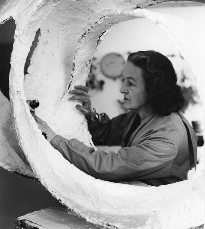 barbara-hepworth-ida-kar