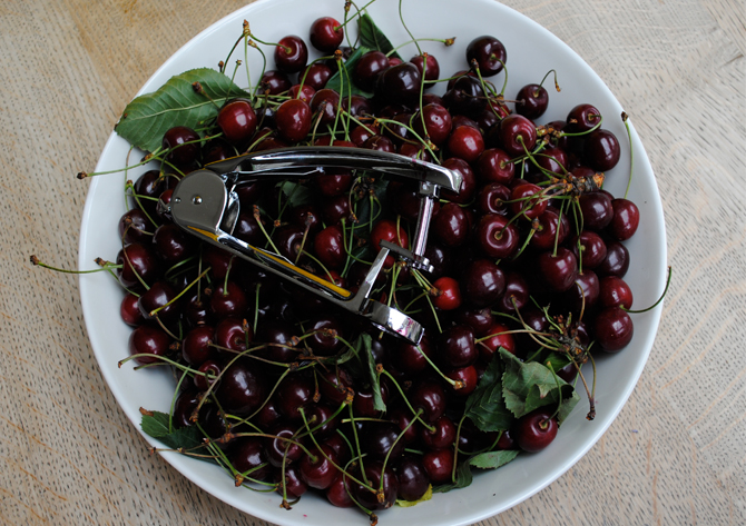 bowl-of-cherries