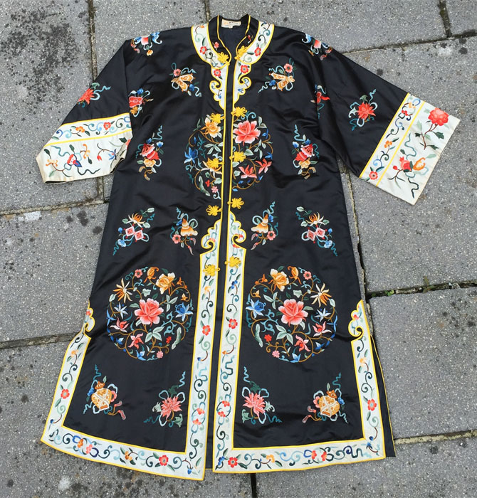 chinese-coat-the-womensroomblog-