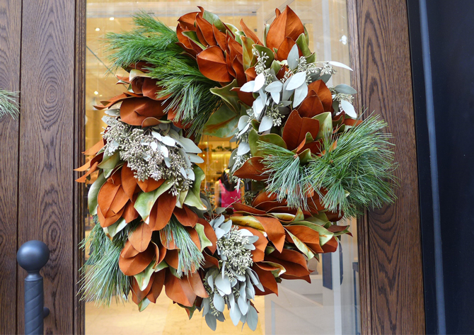 club monaco wreath door