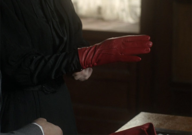 dents gloves in mr selfridge