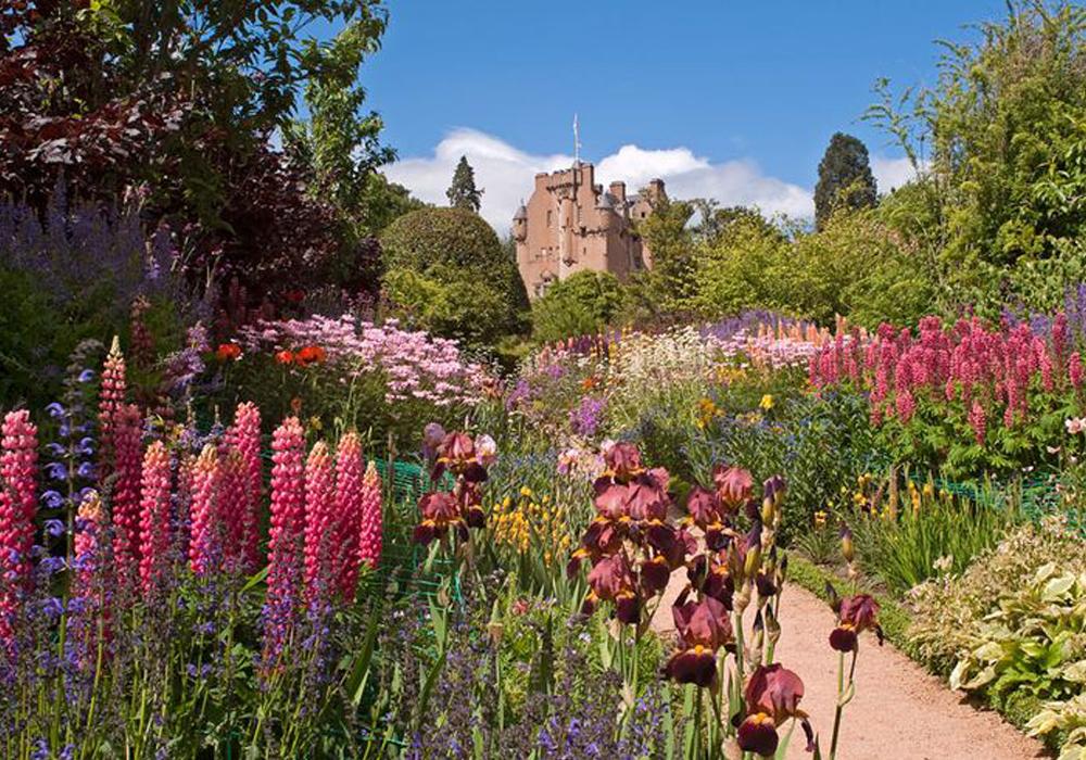 Image: Crathes Castle by Jim Henderson