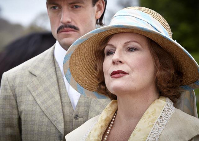 jennifer saunders blandings 01