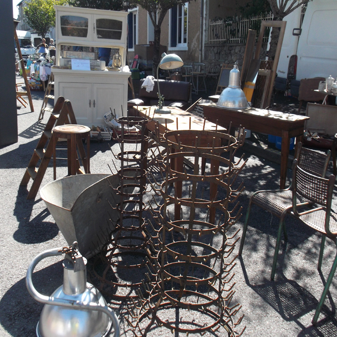 sue-brocante-main